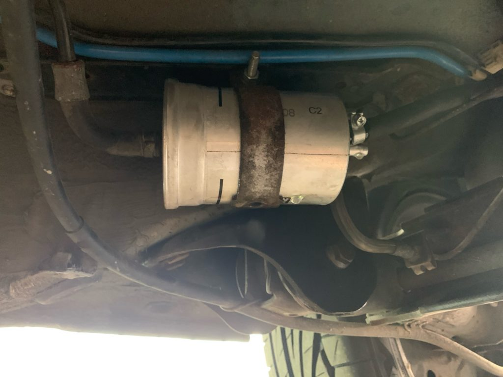 Abnahme des Benzinfilters
